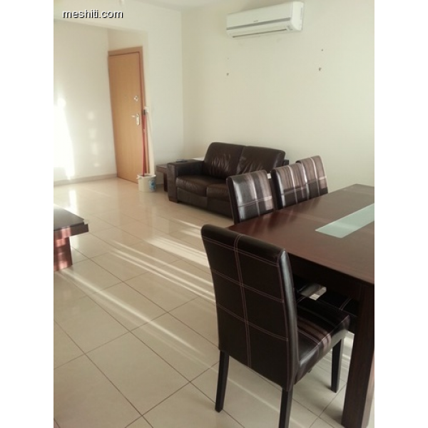 <a href='http://www.meshiti.com/view-property/en/2268_shopping_centre_below_makarios_ave._apartment_for_rent/'>View Property</a>
