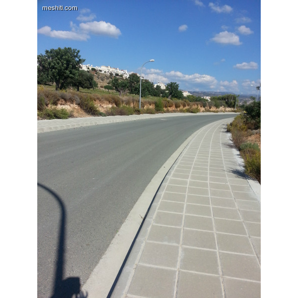 <a href='http://www.meshiti.com/view-property/en/2331_central_zone_below_motorway-up_makarios_ave.__-_germasogeia_upto_polemidia_land__plot_for_sale/'>View Property</a>