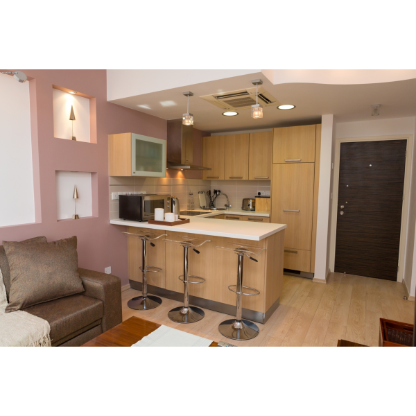 <a href='http://www.meshiti.com/view-property/en/2432_shopping_centre_below_makarios_ave._apartment_for_rent/'>View Property</a>