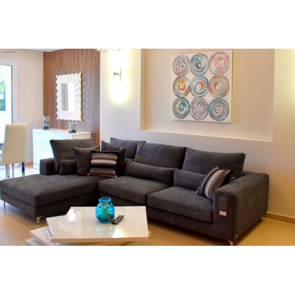 <a href='http://www.meshiti.com/view-property/en/2580_shopping_centre_below_makarios_ave._apartment_for_sale/'>View Property</a>