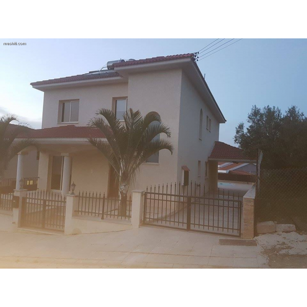 <a href='http://www.meshiti.com/view-property/en/1788_central_zone_below_motorway-up_makarios_ave.__-_germasogeia_upto_polemidia_house__villa_for_rent/'>View Property</a>