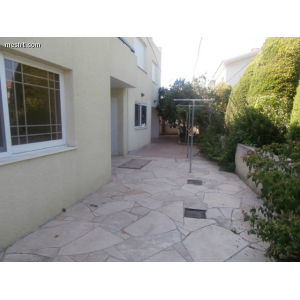 <a href='http://www.meshiti.com/view-property/en/1406_central-one__up_motorwayfrom_polemidia_to_germasogeia_house__villa_for_rent/'>View Property</a>