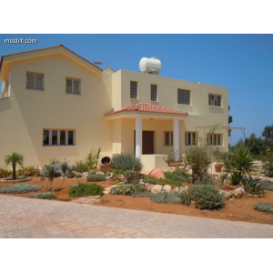 <a href='https://www.meshiti.com/view-property/en/1476_central-one__up_motorwayfrom_polemidia_to_germasogeia_house__villa_for_sale/'>View Property</a>