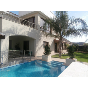 <a href='http://www.meshiti.com/view-property/en/1497_suburbs_10_-_20_driving__fm_centre_house__villa_for_sale/'>View Property</a>
