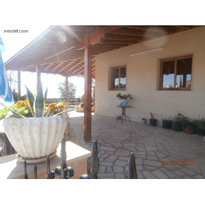 <a href='https://www.meshiti.com/view-property/en/1348_central-one__up_motorwayfrom_polemidia_to_germasogeia_house__villa_for_sale/'>View Property</a>