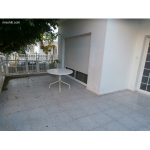 <a href='https://www.meshiti.com/view-property/en/1556_central-one__up_motorwayfrom_polemidia_to_germasogeia_house__villa_for_rent/'>View Property</a>