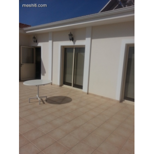 <a href='https://www.meshiti.com/view-property/en/1759_central_zone_a_below_motorway-up_makarios_ave.__-_germasogeia_upto_polemidia_house__villa_for_rent/'>View Property</a>