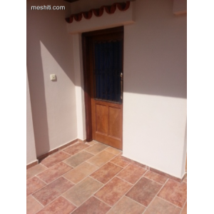 <a href='http://www.meshiti.com/view-property/en/1770_central_zone_below_motorway-up_makarios_ave.__-_germasogeia_upto_polemidia_apartment_for_rent/'>View Property</a>