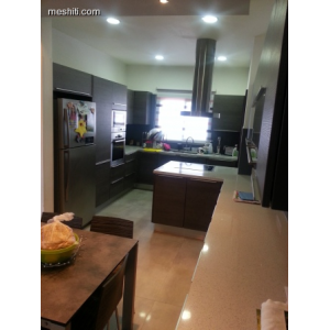 <a href='https://www.meshiti.com/view-property/en/1772_central_zone_a_below_motorway-up_makarios_ave.__-_germasogeia_upto_polemidia_house__villa_for_rent/'>View Property</a>