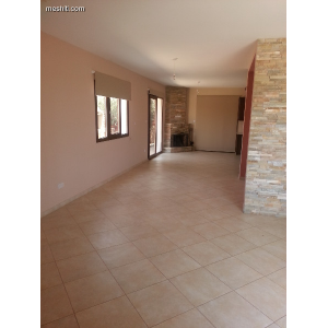 <a href='https://www.meshiti.com/view-property/en/1046_central_zone_a_below_motorway-up_makarios_ave.__-_germasogeia_upto_polemidia_house__villa_for_rent/'>View Property</a>