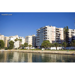 <a href='http://www.meshiti.com/view-property/en/1833_suburbs_10_-_20_driving__fm_centre_apartment_for_rent/'>View Property</a>