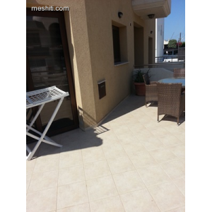 <a href='http://www.meshiti.com/view-property/en/2400_suburbs_10_-_20_driving__fm_centre_house__villa_for_sale/'>View Property</a>