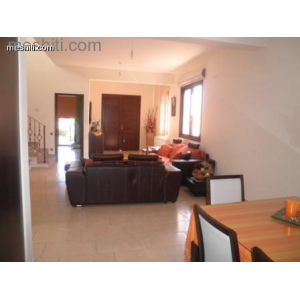 <a href='https://www.meshiti.com/view-property/en/890_central_zone_a_below_motorway-up_makarios_ave.__-_germasogeia_upto_polemidia_house__villa_for_rent/'>View Property</a>