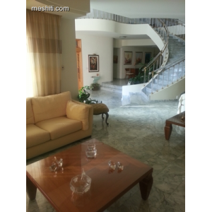 <a href='http://www.meshiti.com/view-property/en/2539_central_zone_below_motorway-up_makarios_ave.__-_germasogeia_upto_polemidia_house__villa_for_sale/'>View Property</a>