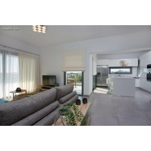 <a href='http://www.meshiti.com/view-property/en/3183_shopping_centre_below_makarios_ave._apartment_for_rent/'>View Property</a>