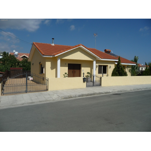 <a href='https://www.meshiti.com/view-property/en/3331_central_zone_a_below_motorway-up_makarios_ave.__-_germasogeia_upto_polemidia_house__villa_for_rent/'>View Property</a>
