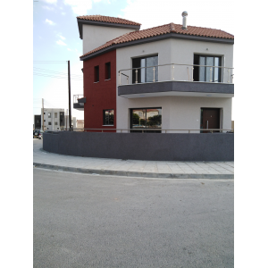 <a href='https://www.meshiti.com/view-property/en/3336_central-one__up_motorwayfrom_polemidia_to_germasogeia_apartment_for_rent/'>View Property</a>