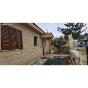 <a href='https://www.meshiti.com/view-property/en/3393_central-one__up_motorwayfrom_polemidia_to_germasogeia_house__villa_for_rent/'>View Property</a>