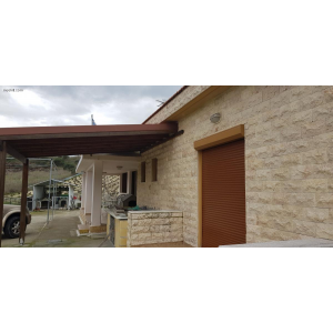 <a href='https://www.meshiti.com/view-property/en/3465_central-one__up_motorwayfrom_polemidia_to_germasogeia_house__villa_for_sale/'>View Property</a>
