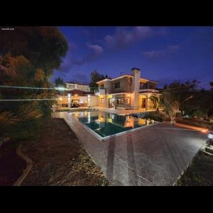 <a href='https://www.meshiti.com/view-property/en/3757_suburbs_10_-_20_driving__fm_centre_house__villa_for_sale/'>View Property</a>