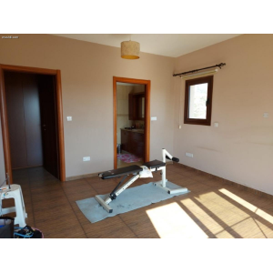<a href='https://www.meshiti.com/view-property/en/3760_central-one__up_motorwayfrom_polemidia_to_germasogeia_house__villa_for_sale/'>View Property</a>