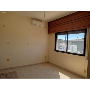 <a href='https://www.meshiti.com/view-property/en/3812_central-one__up_motorwayfrom_polemidia_to_germasogeia_apartment_for_sale/'>View Property</a>