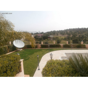 <a href='https://www.meshiti.com/view-property/en/1158_central_zone_a_below_motorway-up_makarios_ave.__-_germasogeia_upto_polemidia_house__villa_for_rent/'>View Property</a>