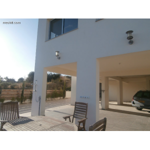 <a href='https://www.meshiti.com/view-property/en/768_central_zone_a_below_motorway-up_makarios_ave.__-_germasogeia_upto_polemidia_house__villa_for_rent/'>View Property</a>